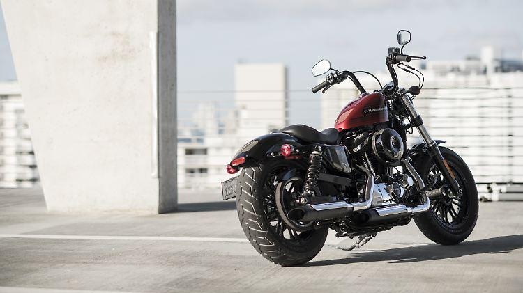 Harley-Davidson-48-special.jpg