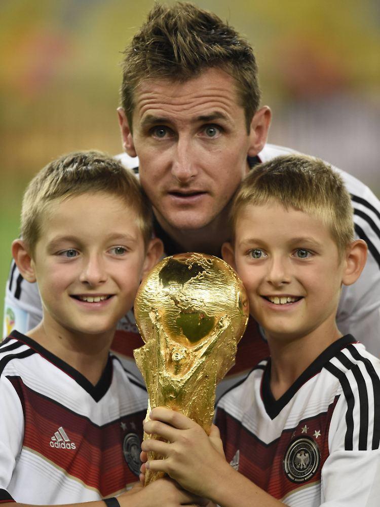 Spatstarter Und Rekordtorschutze Miroslav Klose Der Bescheidene Teamplayer N Tv De