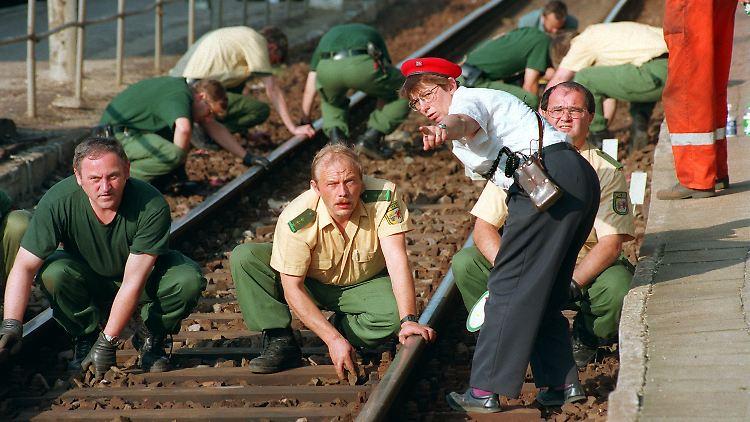 Was wirklich auf den Bahngleisen passiert ist, ist bis heute unklar. Bei der Beweissicherung gab es zahlreiche Pannen.