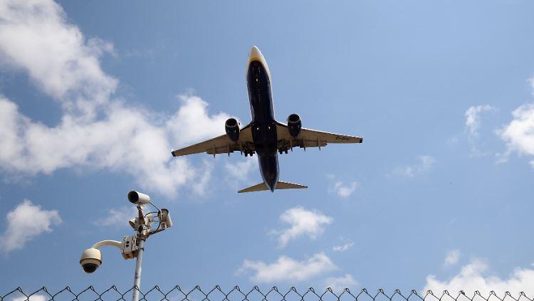 Streik Bei Billig Airline Ryanair Muss 300 Flüge Streichen N Tvde