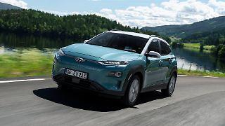 Hyundai_Kona_Electric_1.jpg