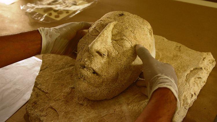 Der lebensgroße Stuck-Kopf wurde in der mexikanischen Ruinenstadt Palenque gefunden.