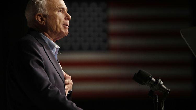 Der verstorbene US-Senator John McCain hat dem US-amerikanischen Volk eine Abschiedsbotschaft geschrieben.