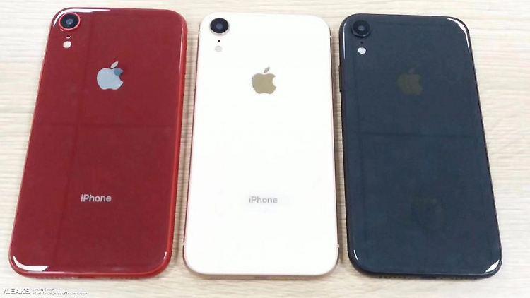 iPhone XR Rot Weiss Blau.jpg