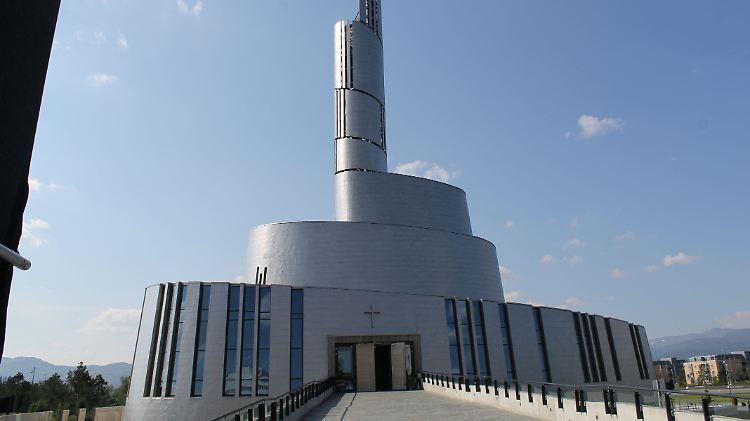 In Europas Hohem Norden Kathedrale Fangt Polarlichter Ein N Tv De