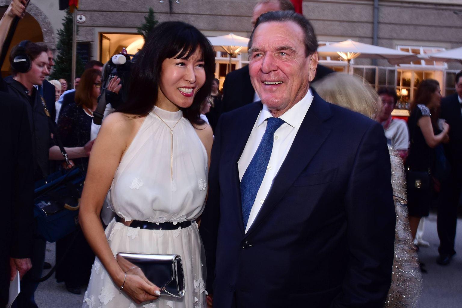 Schroders Gasteliste Mit Wem Der Altkanzler Seine Hochzeit Feiert