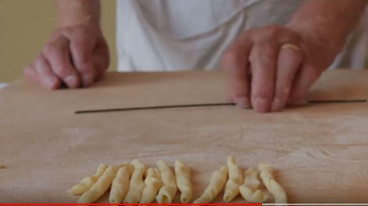 Italienische Pasta auf Youtube: In den Küchen der Großmütter ...