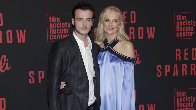 10 Jahre Nach Tod Der Mutter Liam Neesons Sohn Heißt Jetzt