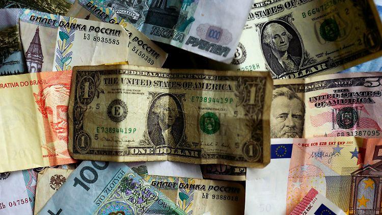 Bank Notes.jpg