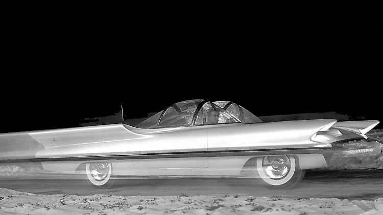 1955-LincFuturaConCar02-HR.jpg