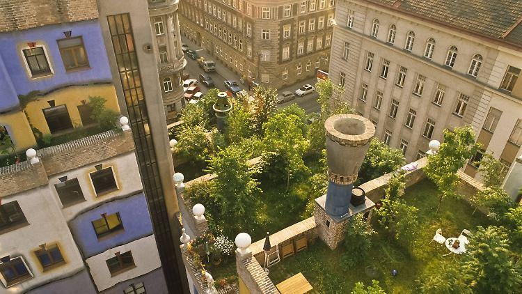Wien, Hundertwasserhaus, Dachterassen 2.jpg