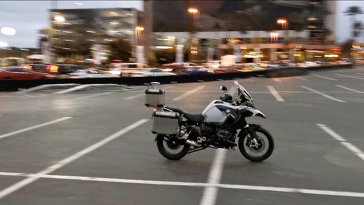BMW selbstfahrendes Motorrad neu.jpg