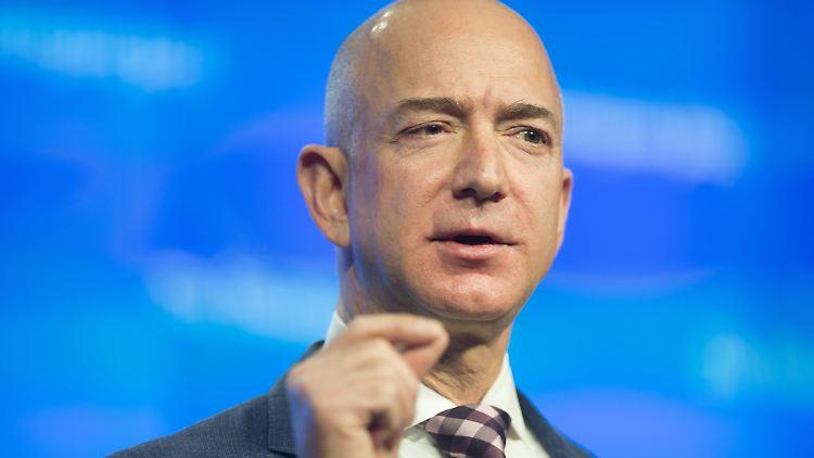 Mit intimen Privatfotos: Jeff Bezos wirft ''Enquirer''-Verlagschef übelste Erpressung vor