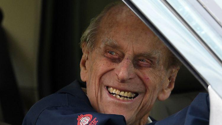 Nach Verkehrsunfall: Prinz Philip gibt freiwillig seinen Führerschein ab