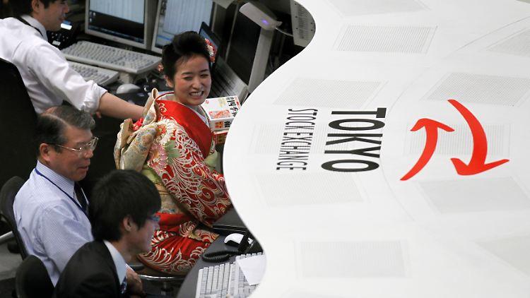 #asdf Symbol Nikkei RTR2VVFB.jpg