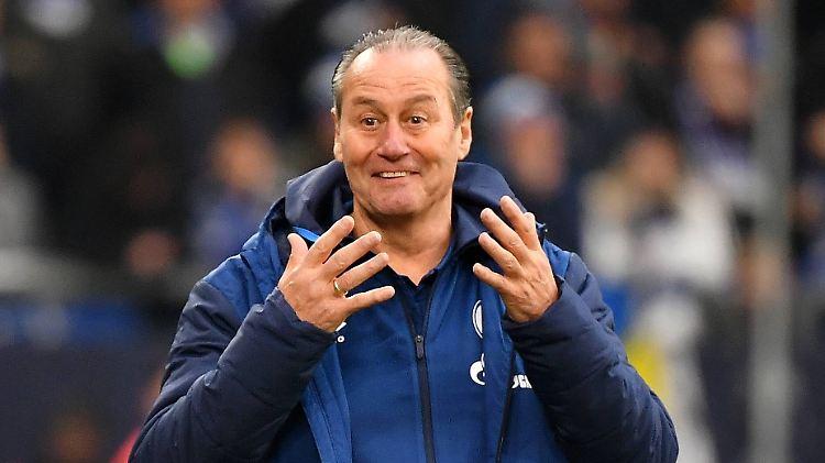 Konnte die Wende (noch) nicht herbei führen: Huub Stevens verlor mit Schalke 04.