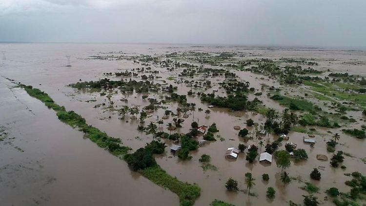 """Hunderttausende betroffen: Zyklon hinterlässt in Mosambik """"Binnenmeere"""""""