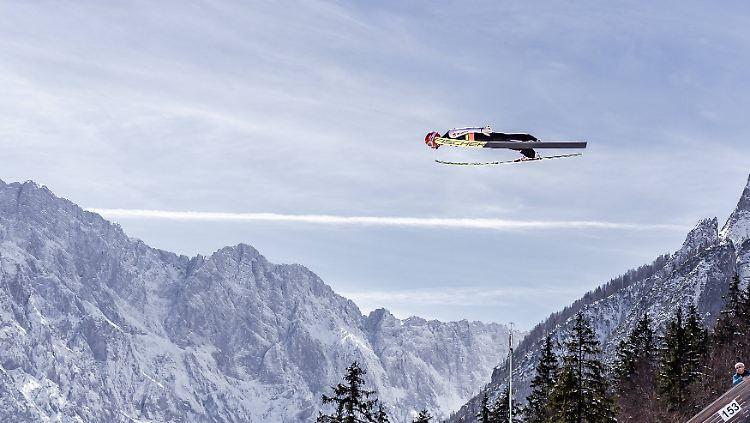 Markus Eisenbichler gelangen beim Skiflug-Weltcup in Planica zwei starke Sprünge.