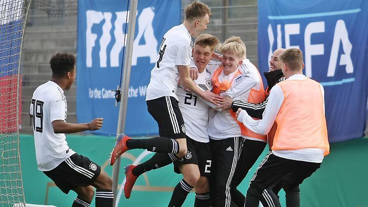 Der Jubel nach dem erlösenden 1:0 gegen Slowenien.