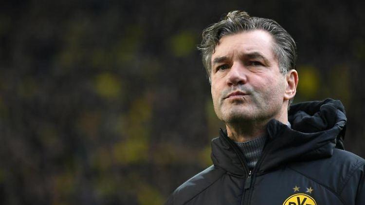 Manager Michael Zorc von Dortmund gibt ein Interview. Foto: Ina Fassbender/dpa/Archiv