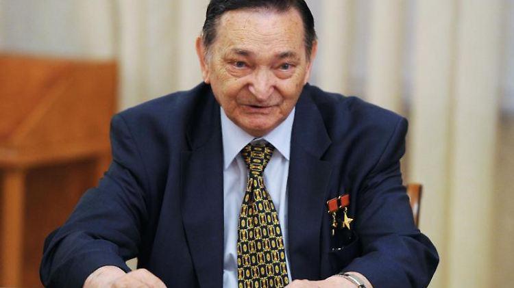 Der verstorbene russische Kosmonaut Waleri Bykowski.jpg