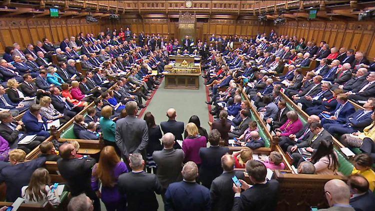 May-Rücktritt - Johnson: Nachfolger muss bei Brexit jetzt
