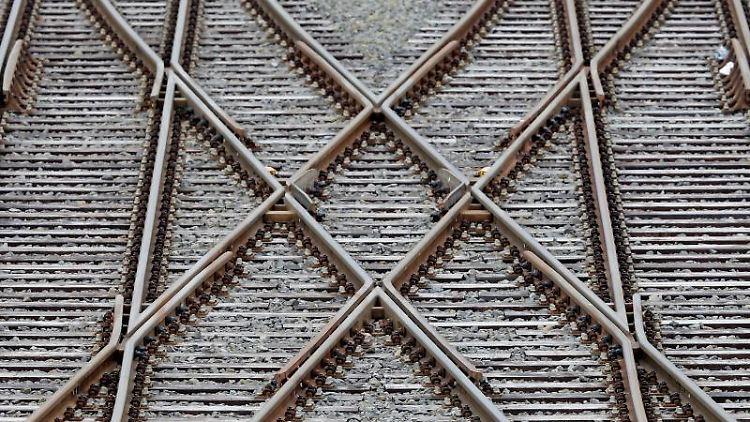 Blick von oben Gleise derBahn. Foto: Jan Woitas/Archiv