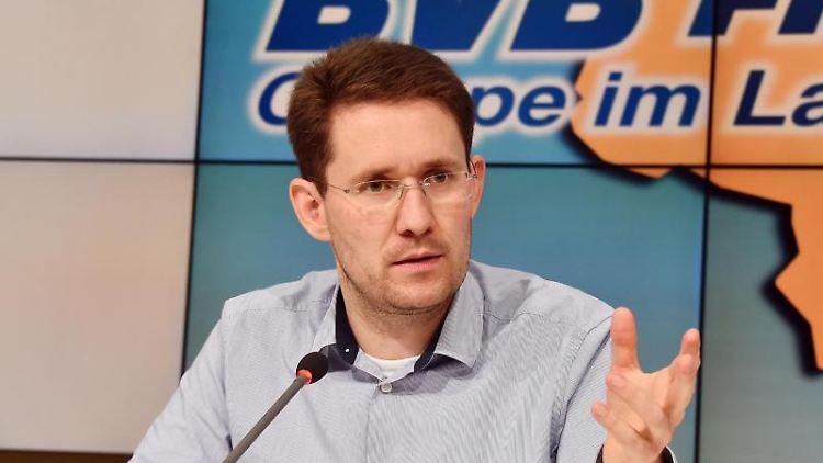 Péter Vida (BVB/FREIE WÄHLER). Foto: Bernd Settnik/Archiv