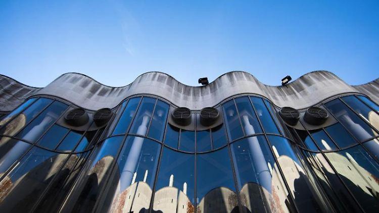 Blick auf die Bundeskunsthalle in Bonn. Foto: Rolf Vennenbernd/Archivbild