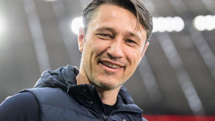 Trainer Niko Kovac vom FC Bayern München am Spielfeldrand. Foto: Matthias Balk/Archivbild