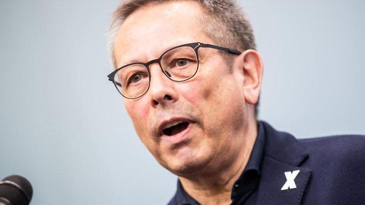 Johannes-Wilhelm Rörig spricht bei einer Pressekonferenz. Foto: Michael Kappeler/Archivbild
