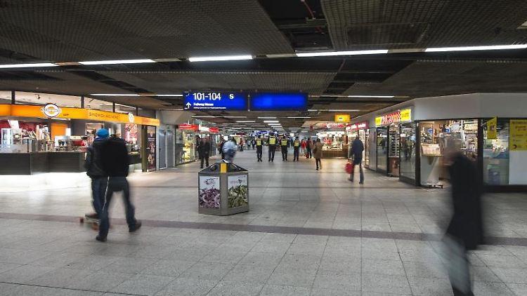 Die B-Ebene mit Geschäften im Hauptbahnhof in Frankfurt am Main. Foto: Andreas Arnold/Archivbild
