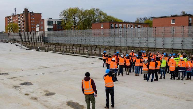 Der neue Lärmschutztunnel der A7. Foto: Axel Heimken