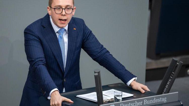 Philipp Amthor (CDU) spricht im Bundestag. Foto: Monika Skolimowska/Archivbild