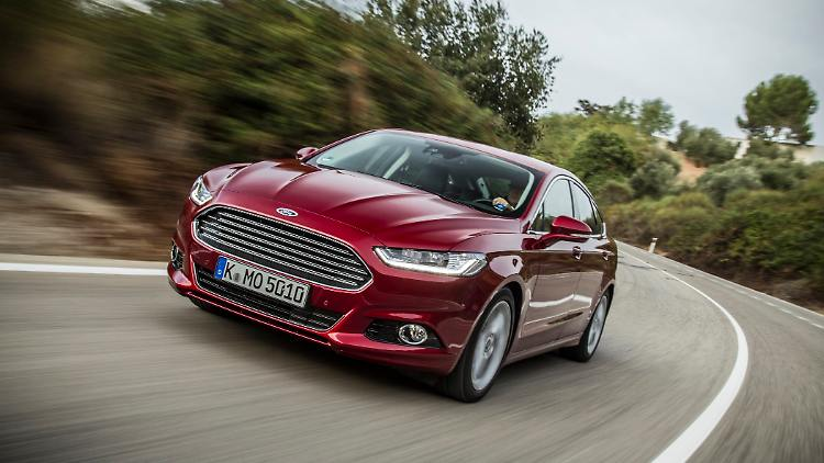 ford_mondeo_12112015_1.jpg