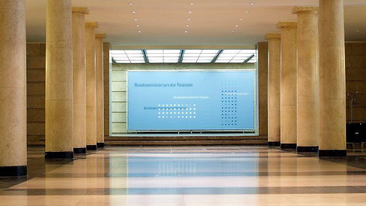 Der Hauptsitz des Bundesministeriums der Finanzen ist das Detlev-Rohwedder-Haus in Berlin.