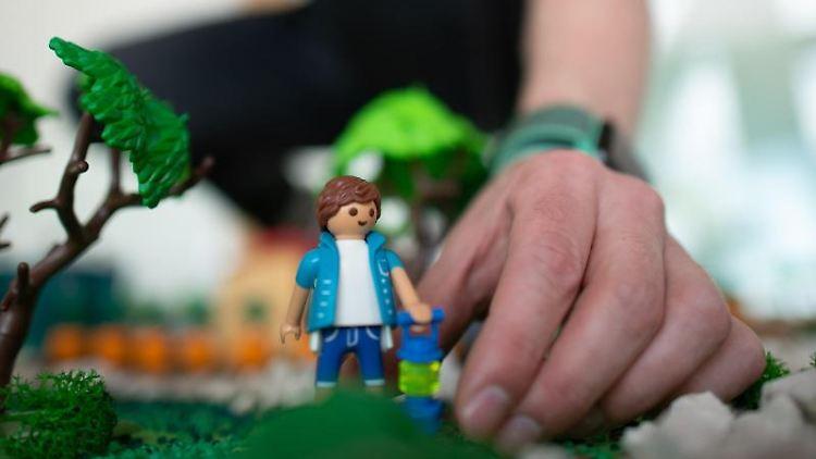 Miniatur-Elbauenpark aus Playmobil: Ausstellung in Magdeburg. Foto: Klaus-Dietmar Gabbert/Archivbild