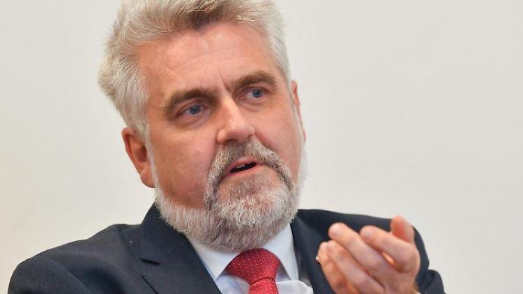 Sachsen-Anhalts Wirtschaftsminister Armin Willingmann. Foto: Patrick Pleul/Archivbild