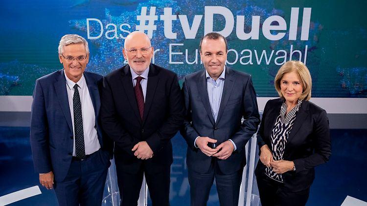 Timmermans und Weber neben ZDF-Chefredakteur Peter Frey und ORF-III-Chefredakteurin Ingrid Thurnher.