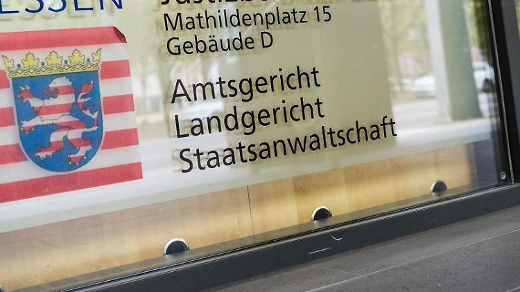 Der Eingang zum Landgericht und Amtsgericht. Foto: Silas Stein/Archiv