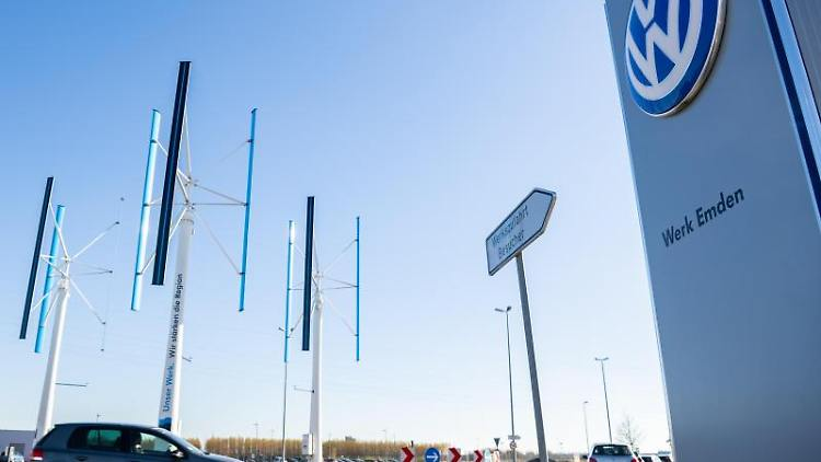 VW-Werk Emden. Foto: Mohssen Assanimoghaddam/Archivbild