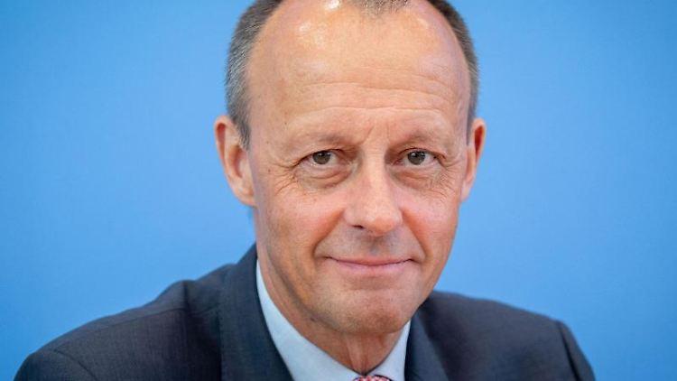 Friedrich Merz (CDU) gibt eine Pressekonferenz. Foto: Kay Nietfeld/Archiv
