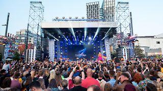 Weltumspannendes Medienspektakel: Der Eurovision Song Contest, hier die ESC-Party mit Public-Viewing in Hamburg.