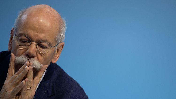 Zetsche bekräftigt Sparanstrengungen bei Daimler