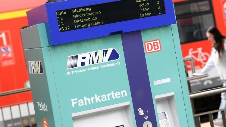 Wasserstoffzüge für den Taunus bestellt | Frankfurt