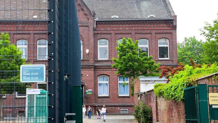 Aussenansicht einer Grundschule in Mönchengladbach. Foto: Sascha Rixkens