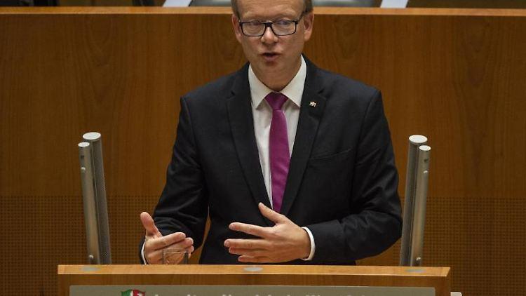 André Kuper (CDU) spricht im Landtag. Foto: Christophe Gateau/Archivbild