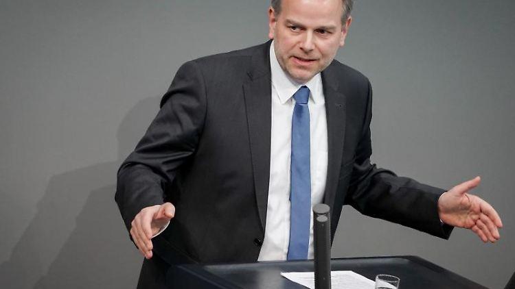 Mecklenburg-Vorpommerns AfD-Chef Leif-Erik Holm während einer Rede imBundestag.Foto:Kay Nietfeld/Archivbild