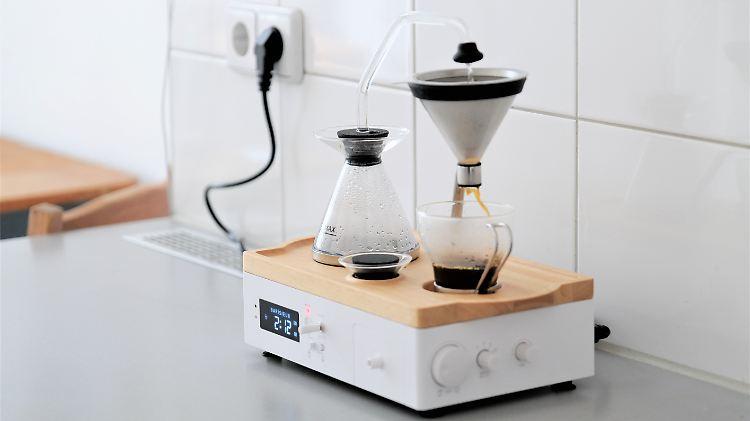kaffee wecker im chemiebaukasten look der barisieur