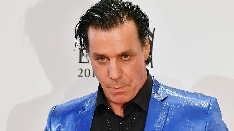 Medienberichte: Rammstein-Sänger Till Lindemann soll Hotelgast verletzt haben